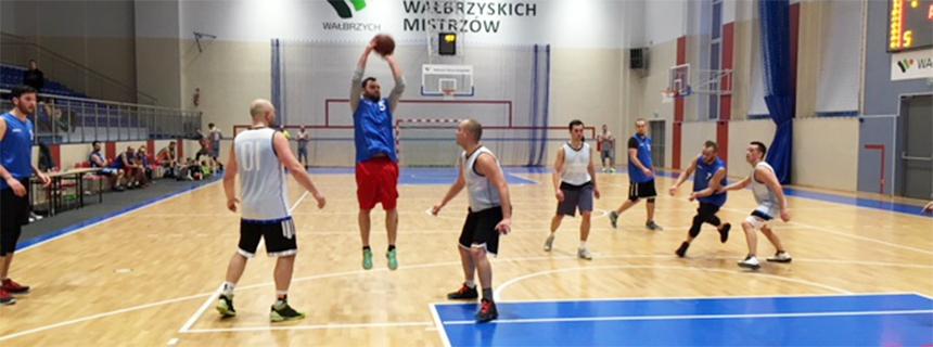 df1db998f33 Wałbrzyska Amatorska Liga Koszykówki – czas Play Off